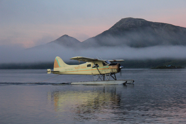 Plane takes off with customers for the first days salmon fishing