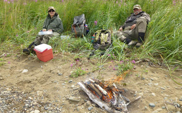 No See Um Lodge Report a shore lunch and welcome break from the fly fishing for salmon