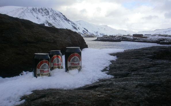 Norway Fishing Report Drinking beer at Soroya