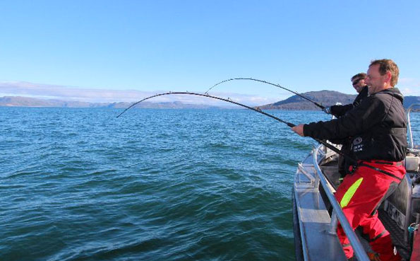 Friends fishing together Norway Fishing Report