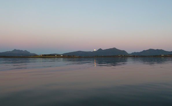 A shot of the mid night sun in our fishing report Norway