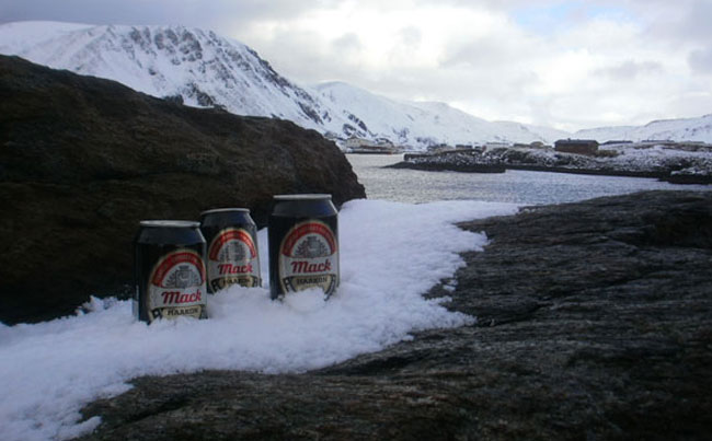 The perfect end to the day. Beer in the snow Norway fishing report for Mach beer