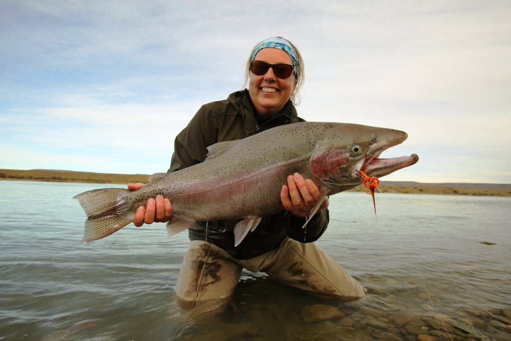 Steelhead fly fishing santa cruz argentina steelhead fishing argentina lady holding a cracking steelhead