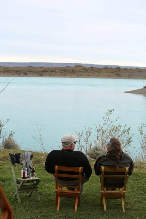 relaxing looking over the santa cruz river in argentina Steelhead fly fishing santa cruz argentina