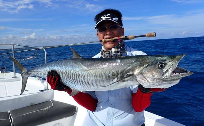 Spanish Mackerel caught on light rod and reel SriLanka Fishing Report