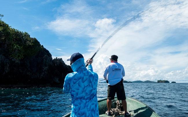 Indonesia Fishing Report of guys popper fishing
