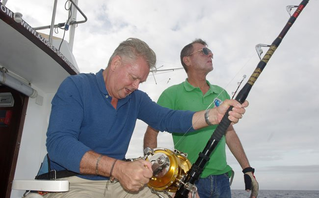 Playing a big Tuna in Azores fishing report