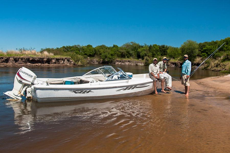 Golden dorado fishing pira lodge sportquest holidays for Fly fishing argentina