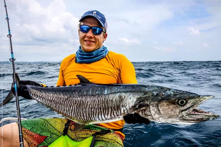 GT'S & DOGTOOTH TUNA FISHING