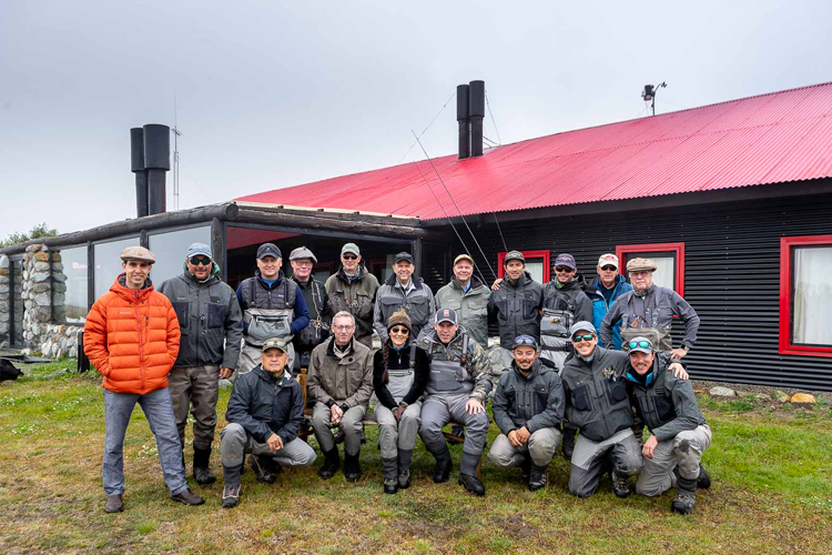 Group of anglers at Kau tapen